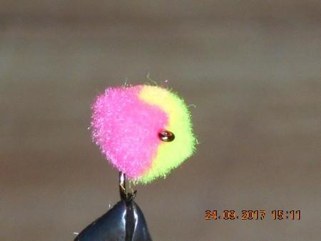 Clown egg flies