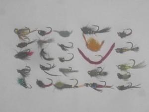 25 assortiti ninfa mosche